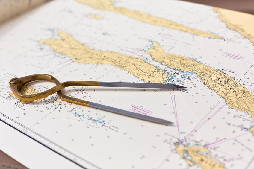 Der Online Hochseescheinkurs vermittelt die gesamte Theorie, die für die Hochseescheinprüfung des CCS benötigt wird, insbesondere werde die Kartenaufgaben und die Gezeitenaufgaben ausführlich behandelt.
